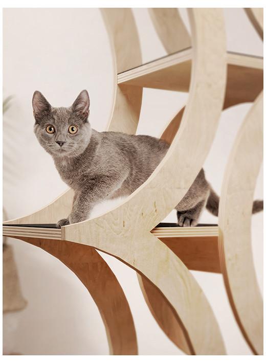 TREE - Un meuble haut en couleur naturelle pour chat